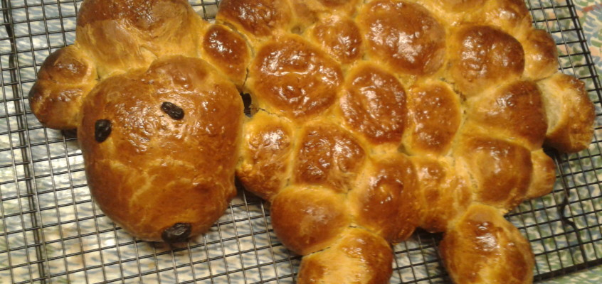 Easter lamb bread – our Easter morning tradition