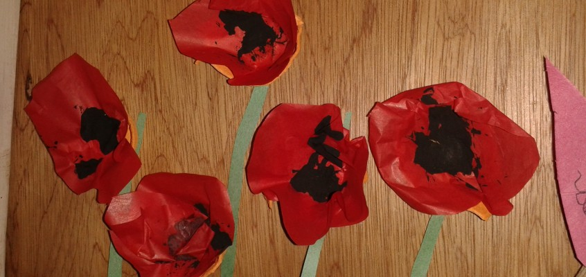 Easy Remembrance Day craft (and Thanksgiving Tree)